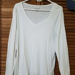 Old Navy White V-Neck Long Sleeve Perfect
